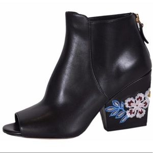 Tory Burch Women's Black Leather Embroidered Shoes